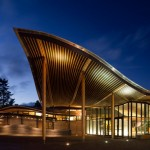Centro de visitantes Jardín Botánico Van Dusen / Perkins + Will