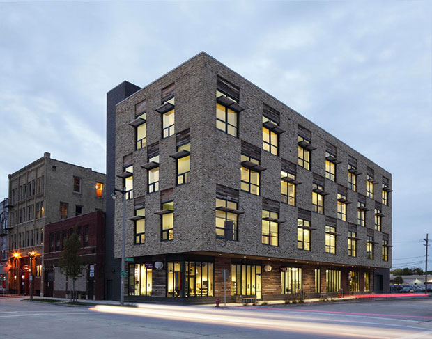 Edificio Clock Shadow, Milwaukee realizado por Continuum Architects + Planners