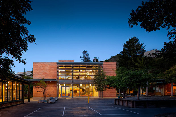 Marin Country Day School Learning Resource Center and Courtyard, Corte Madera, California / EHDD