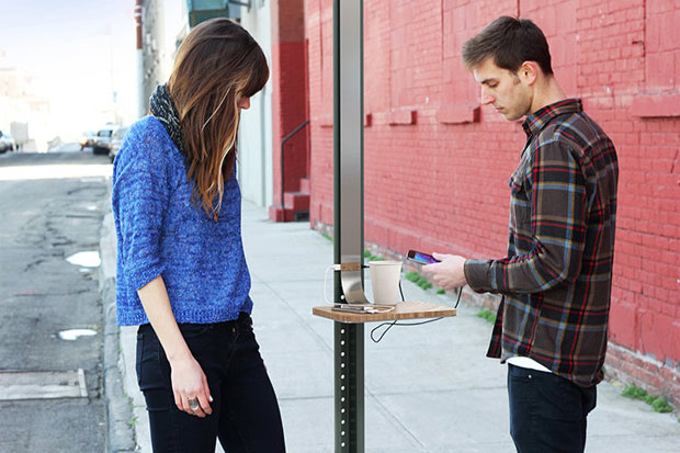 NYC tiene las primeras estaciones de recarga solar para celulares