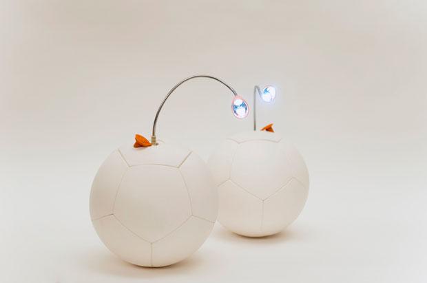 Soccket: una pelota de fútbol que genera energía con cada juego