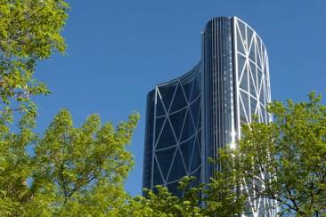El clima define la forma del edificio de Norman Foster