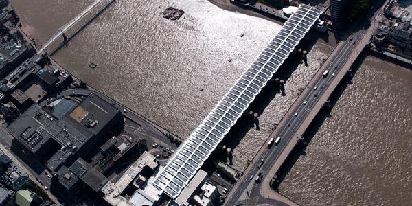 Se inaugura el puente de energía solar más grande del mundo