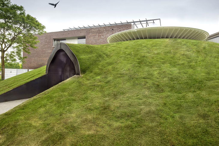 Yourtopia, una casa futurista cubierta de verde