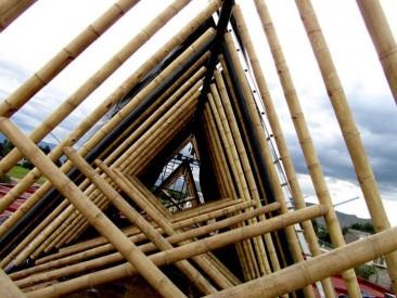 Universidad en México construida con bambú