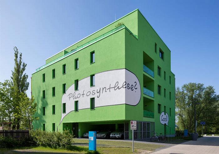 fachada-agua-algas-produce energía-3