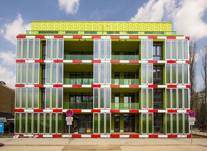 fachada-agua-algas-produce energía-4